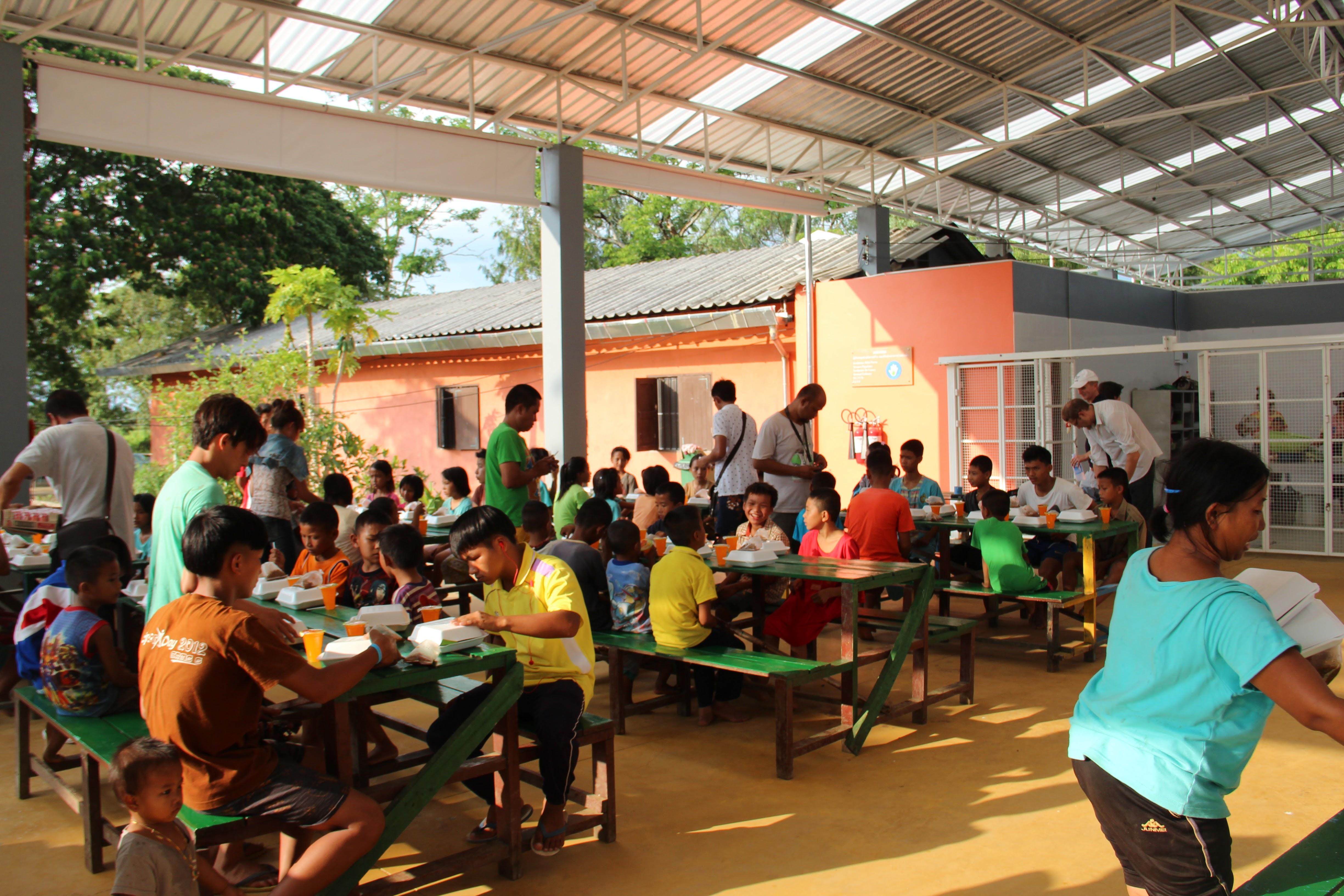 l'heure du déjeuner pour les enfants