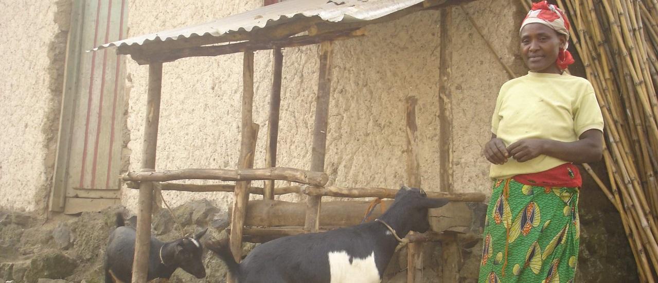 nyara vincencia avec sa chevre